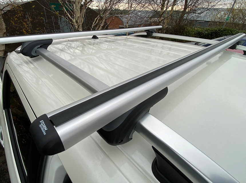 How to Strap a Kayak to a Roof Rack Right: Step-by-Step Guide